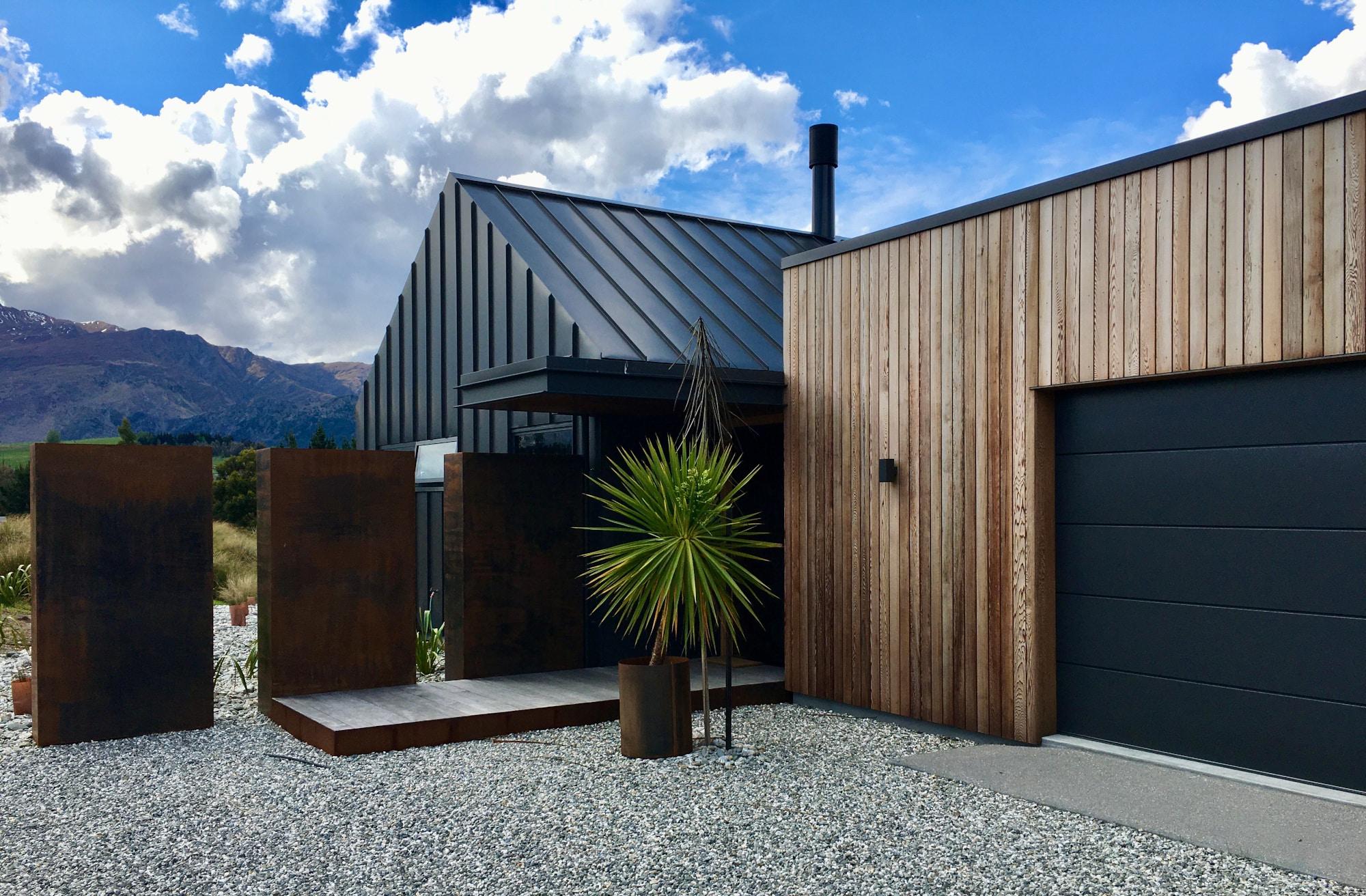 Threepwood Residence